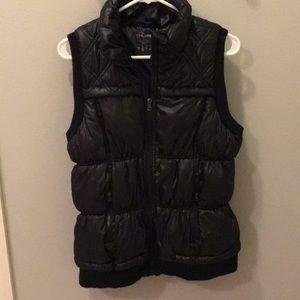 Finish Line Black Puffer Vest